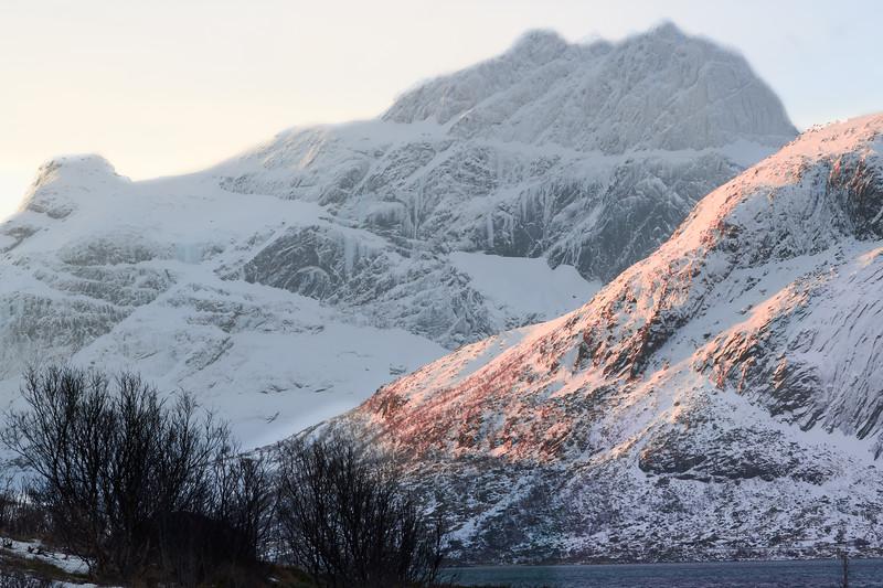 Early morning in Sennesvik, Lofoten