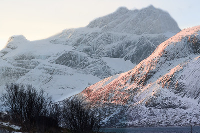 Early morning in Sennesvik, Lofoten