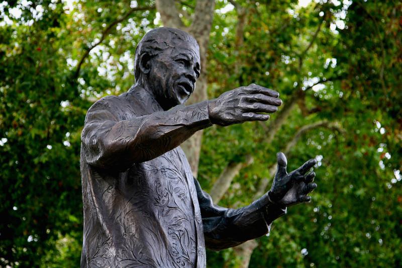 Nelson Mandela, Parliament Square.