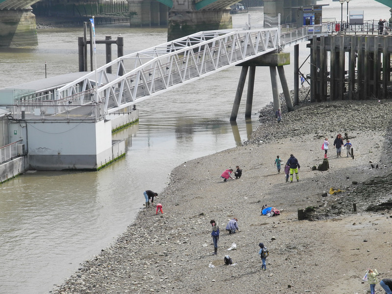 London: Banks of the Thames