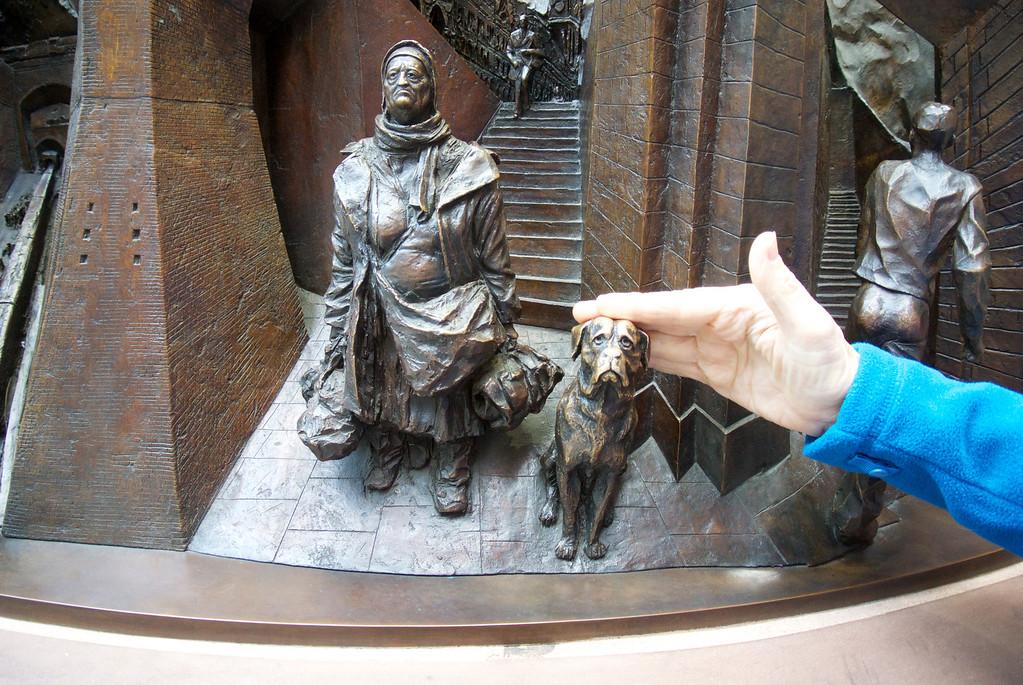 Paul Day sculpture, EuroStar station