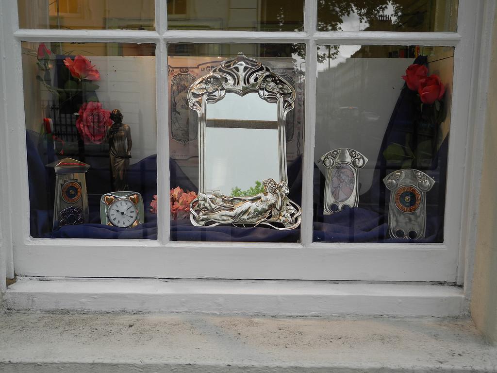 London: Art Noveau clocks