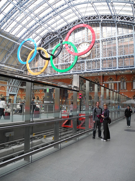 London: Jasper & Candy @ EuroStar St Pancras station
