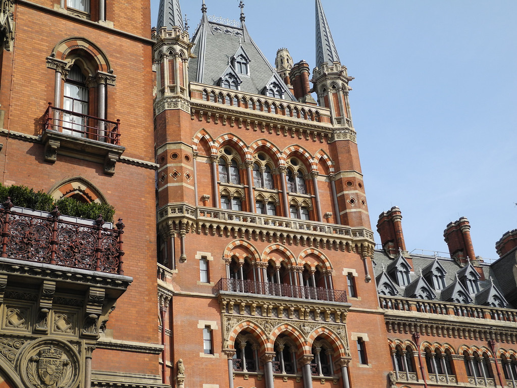 London: St Pancras Renaissance Hotel detail