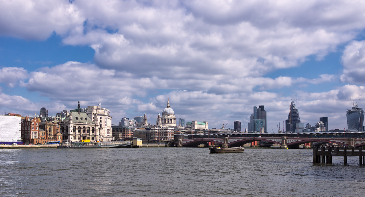 View of the City of London from accross Milleneum Bridge