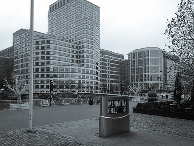 Canary Wharf, taken with the iPhone in front of the Marriott