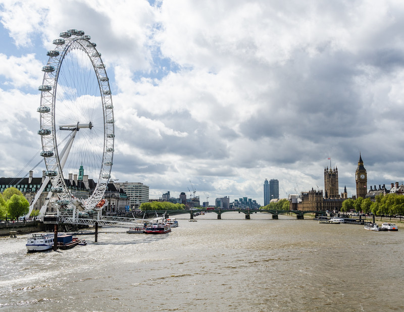 "<a href=""https://en.wikipedia.org/wiki/London_Eye"" target=""_blank"">London Eye</a>, Westminster Bridge, <a href=""https://en.wikipedia.org/wiki/Palace_of_Westminster"" target=""_blank"">Houses of Parliament</a>, <a href=""https://en.wikipedia.org/wiki/Big_Ben"" target=""_blank"">Big Ben</a>"