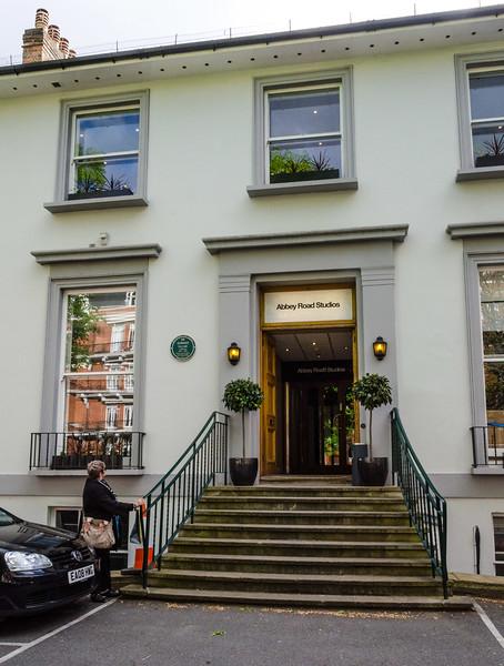 """<a href=""""https://en.wikipedia.org/wiki/Abbey_Road_Studios"""" target=""""_blank"""">Abbey Road Studios</a>, near St John's Wood"""
