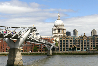 Bridge over the Thames and St Paul's Cathedral