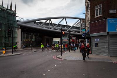 Cyclists at London Bridge