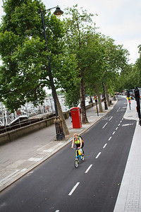 Separated Bicycle Lane On Victoria Embankment