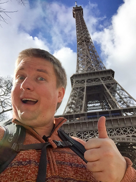 Selfie Time - Eiffel Tower (v3)
