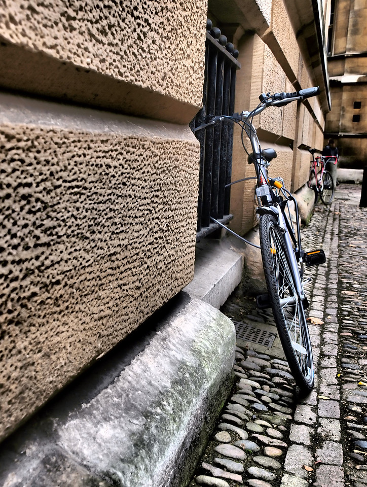 A bicycle on a side street at Cambridge.