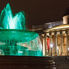 Brunnen vor der National Gallery bei Nacht