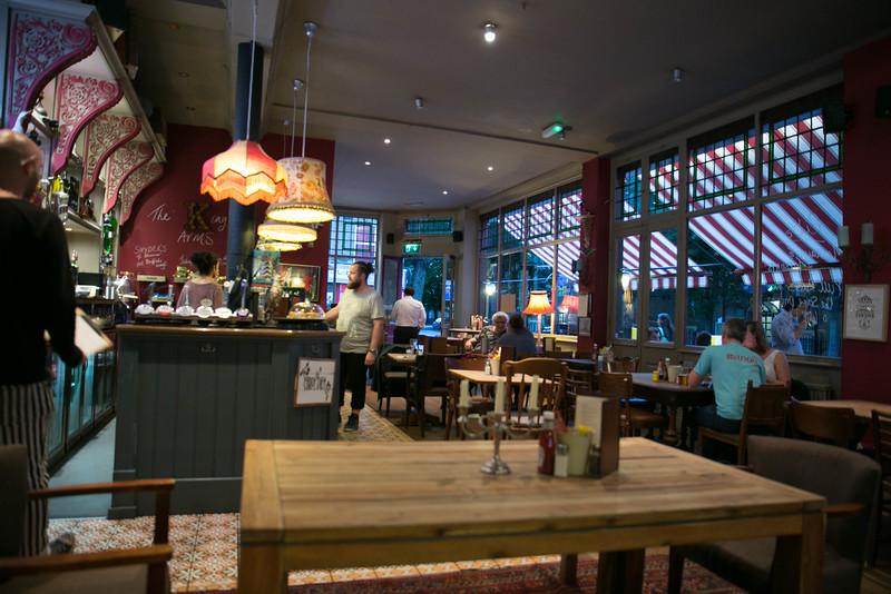 An English pub!