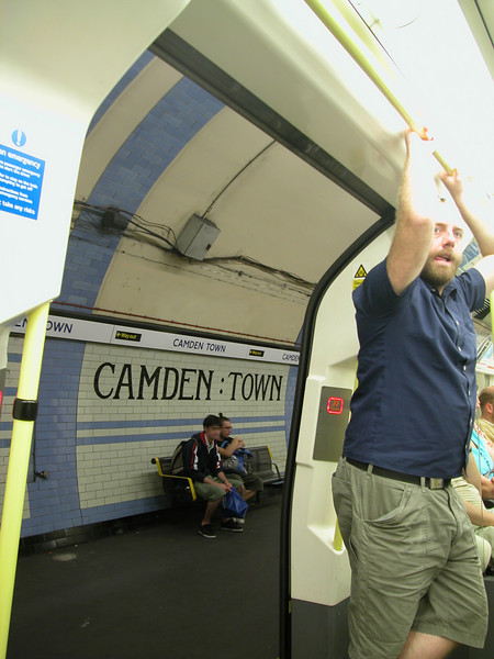 Just a 5 mins walk from our hotel, we hopped on the train (Tube) in Camden Town.