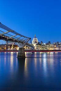 Waning gibbons moon and London Eye