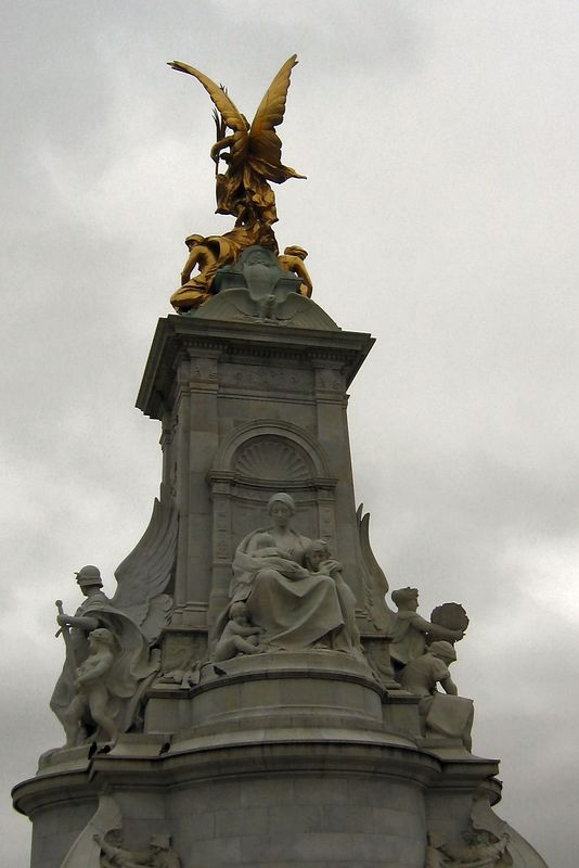 Queen Victoria Monument, Close Up