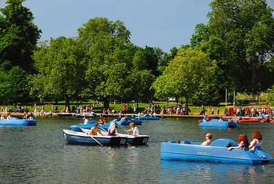 Rowing on Serpentine Lake in Hyde Park