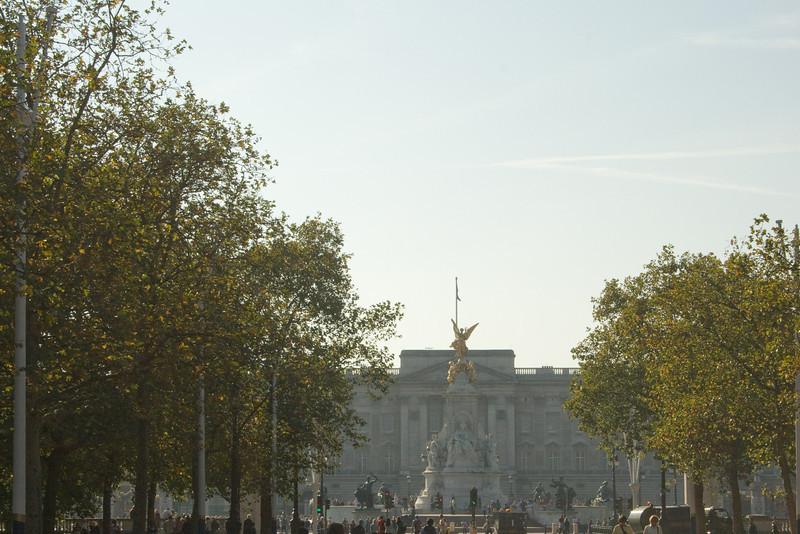 Approaching Buckingham Palace.