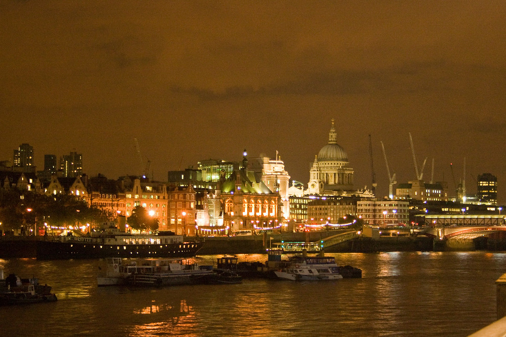 St. Paul's Cathedral at night.