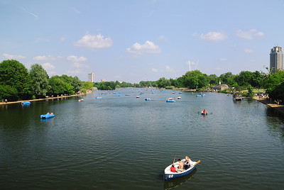 Boating and Sunshine in Hyde Park