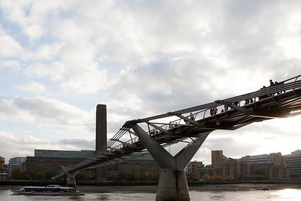 Millennium Bridge towards Tate Modern