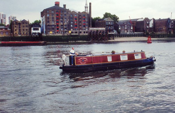 House boat on the Thames Jun 1996