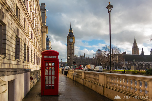 Red phone booth and Big Ben, London