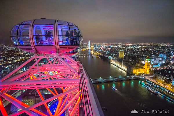 Taking the ride on the London Eye at night