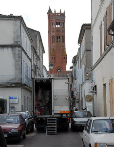 There's not a lot of room for delivery trucks in the narrow streets of Villeneuve-sur-Lot