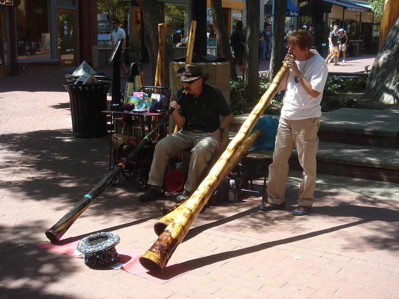 Street performers along Pearl Street in Denver (8.8.09)