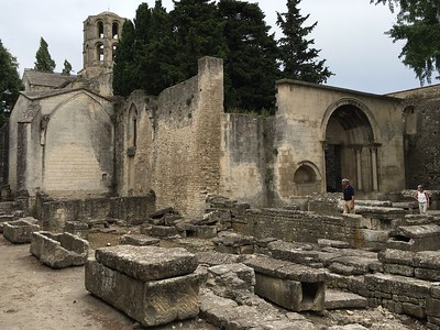 Chapelle Saint-Honorat in Alyscamps a Roman-Medieval cemetery in Arles. Spooky inside (see next photos) with cooing pigeons creating a weird soundtrack. Janet wants to film a dance video inside, we'll see.