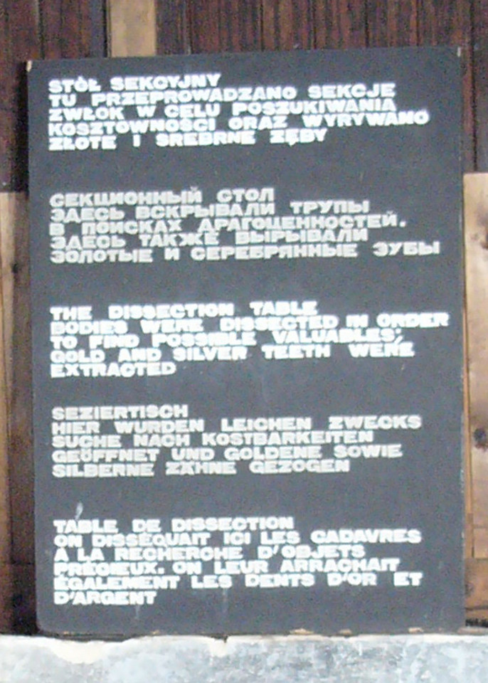 Sign explaining the dissection table at Majdanek