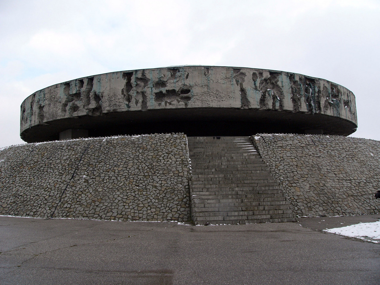 Mausoleum at Majdanek