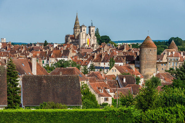 The walled provincial village of Semur is great for strolling through the medieval central streets, past turrets, towers, and churches.