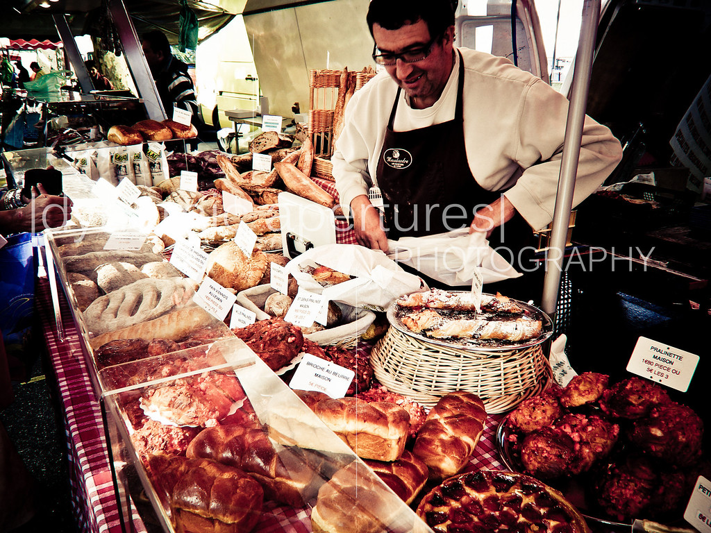 Farmers' market along the Saône River in Lyon, France