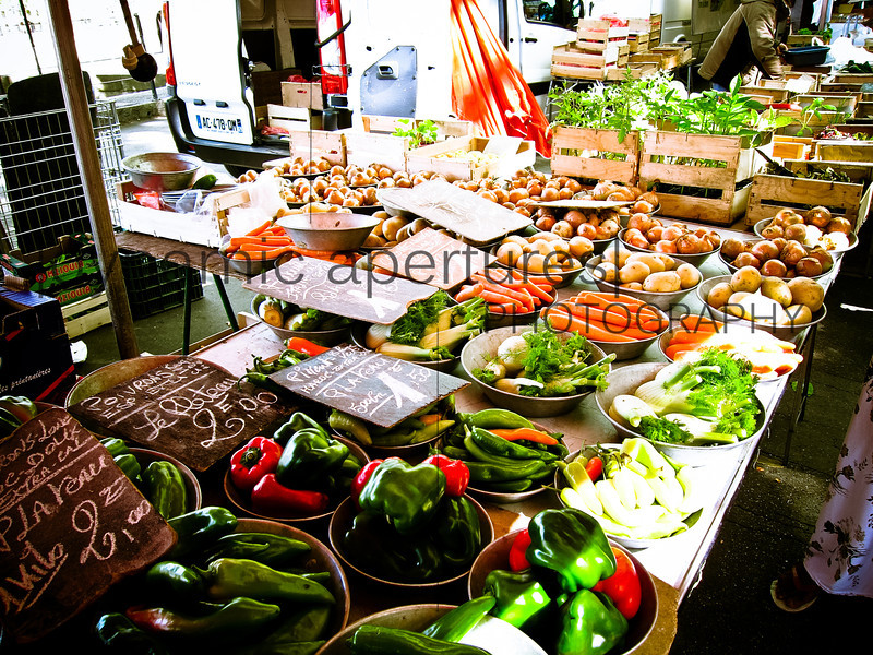 Farmers' market along the Saône River in Lyon, France