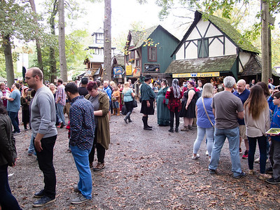 Renn faire crowd