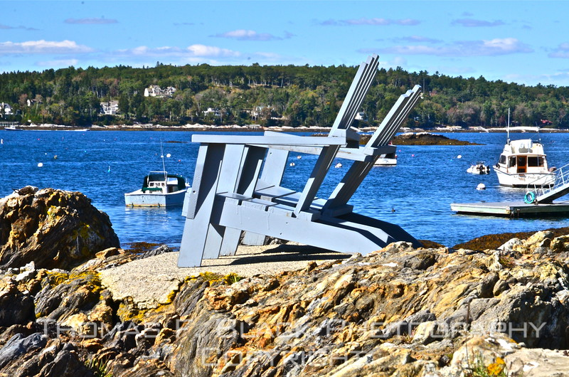 Won't someone PLEASE take a seat? I mean, beautiful, shirtsleeve October day, to-kill-for view of East Boothbay harbor, no buzz-bombing buzzards or marauding mosquitoes. What's not to like? Hold on, maybe they are reserved. If so, I didn't find any sign so indicating.  [UFP092712]