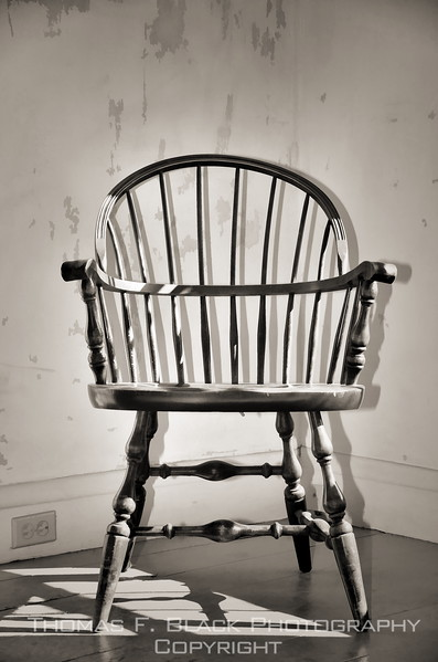 This frame and next, same Windsor chair. [UFP092312]