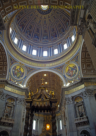 ALTAR IN THE VATICAN