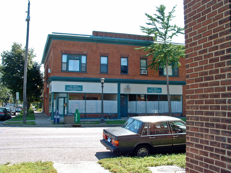 "This building (Selby at Dunlap) had a soda fountain drug store at the corner (malted milkshakes and ice cream sodas once a week) and a husband-wife barber-beauty shop next door (""Paul the barber""). It's kitty-corner from the Skelly gas station."