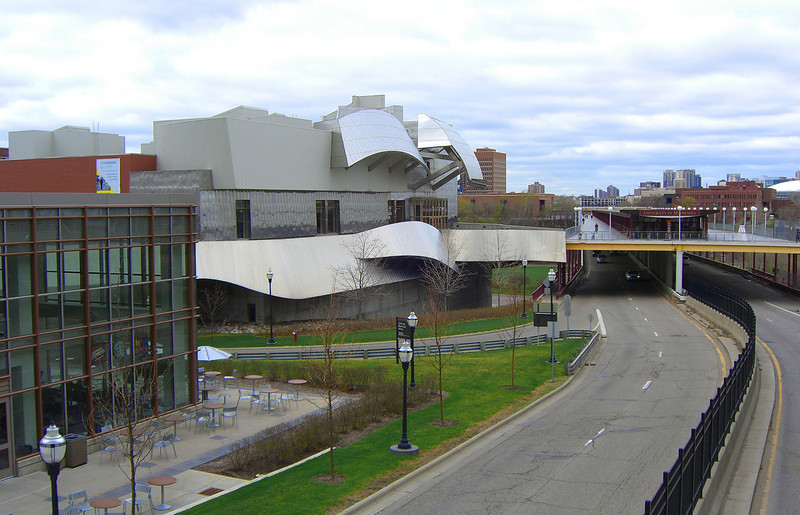 Perhaps every place yearning to be famous needs a Frank Gehry building. We didn't go into the Weisman Museum and can't judge it. But sticking this metal-clad building on the edge of an overwhelmingly brick campus relieves the drabness of the buildings along the Mall. You can see the Washington Avenue Bridge to the West Bank campus, double-decked in the 70s to encourage students to walk or bike the distance.