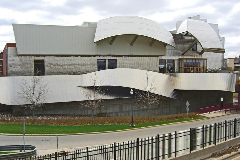 Weisman Art Museum, 1993, Frank O. Gehry, Architect
