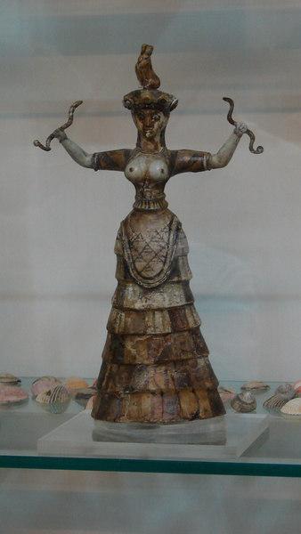 MUSEUM  OF  IRAKLION (KNOSSOS)