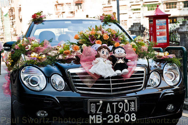 Saturday is the day for weddings in Macau, and we saw numerous, similarly decorated cars around. I don't understand the South-Park looking characters, but again, common on lots of the cars we saw at other weddings.
