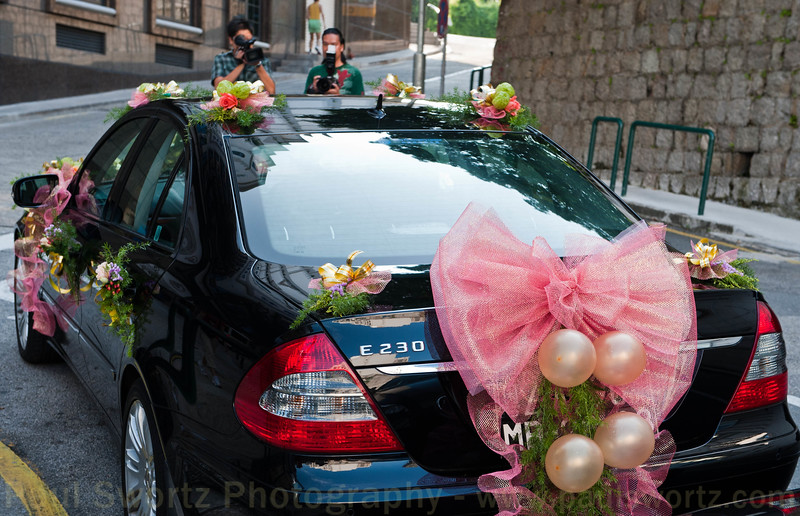 Saturday is the day for weddings in Macau, and we saw numerous, similarly decorated cars around.
