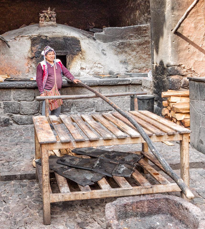 Baking Guinea Pigs in Pisac