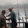 Kapteinen lagar til utstyret...her til ein belgiar som seinare vart svært sjøsjuk..